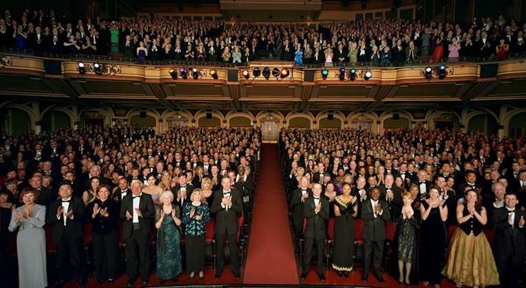 standing-ovation-764x418